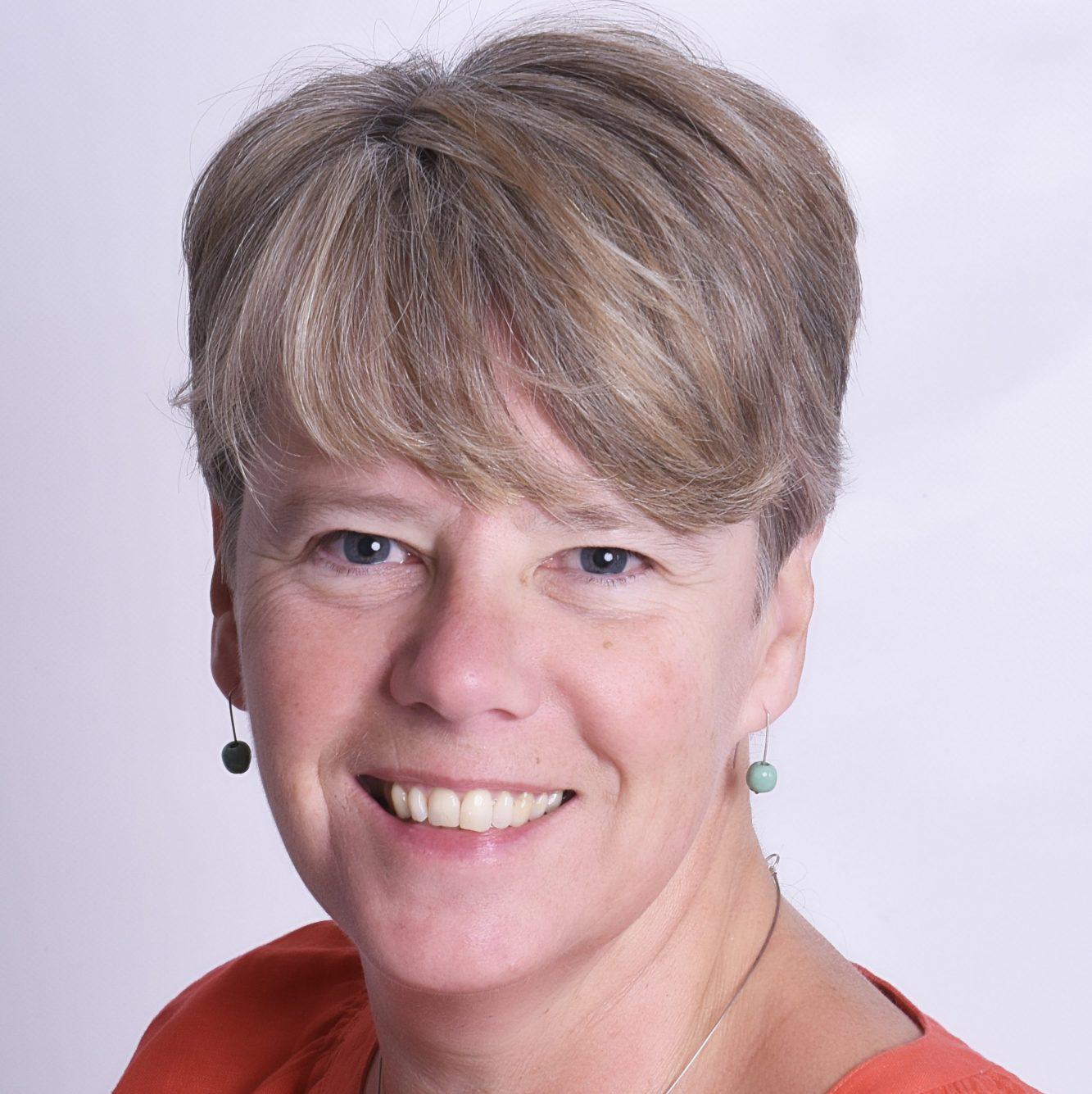 Fiona L Bennett